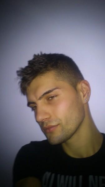 barticelalexandru, barbat, 29 ani, Roman