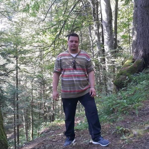 adyxzh, barbat, 35 ani, BUCURESTI