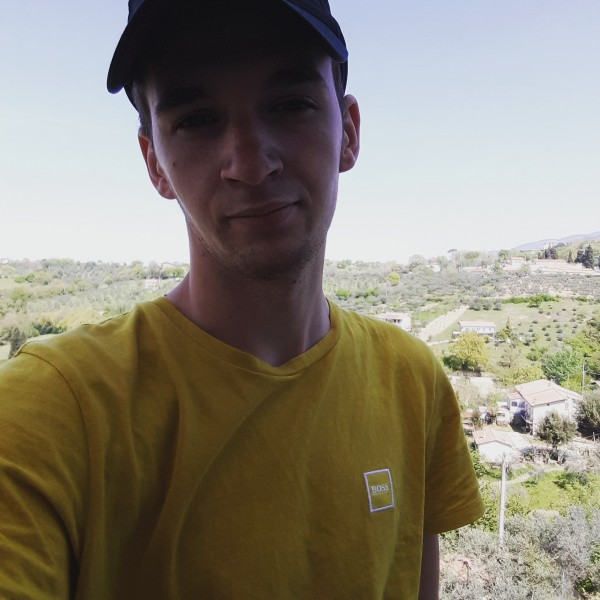 DanielM97, barbat, 21 ani, Cluj Napoca