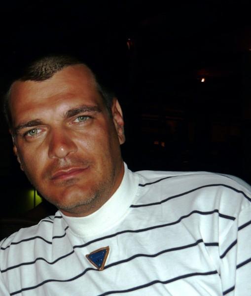 Raoul, barbat, 49 ani, BUCURESTI