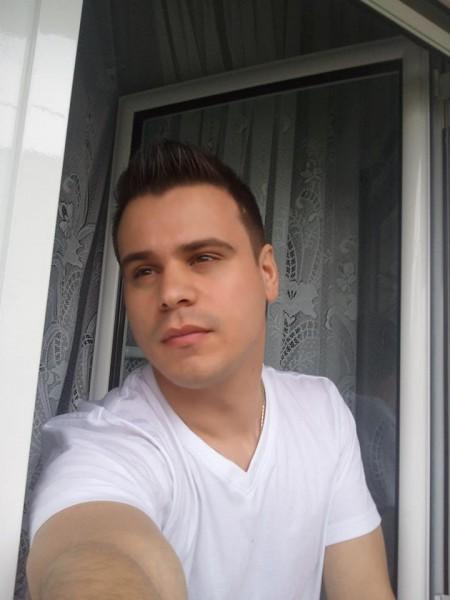 SaintNeo, barbat, 33 ani, Bacau