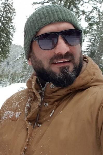 I_George, barbat, 42 ani, BUCURESTI