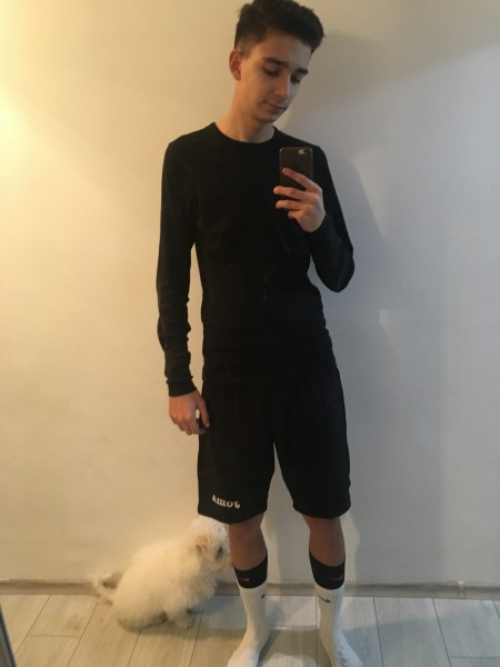 Roberto210, barbat, 18 ani, BUCURESTI