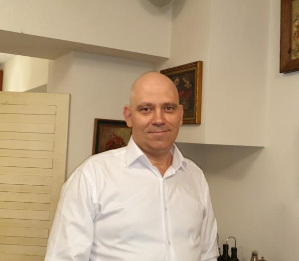 axes21, barbat, 41 ani, Cluj Napoca