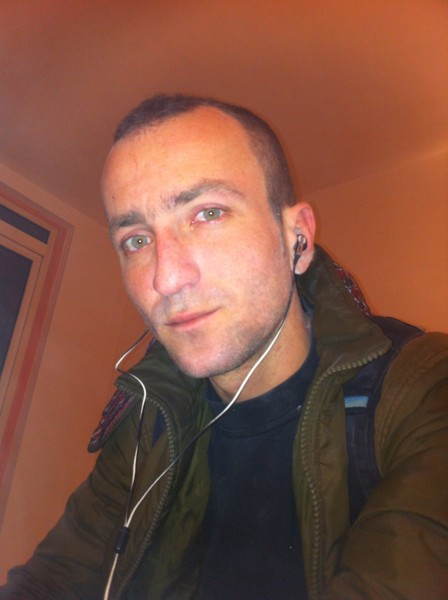 syra0021, barbat, 33 ani, Romania