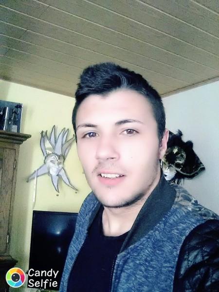 remusel, barbat, 24 ani, Romania