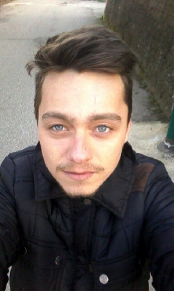 Enachegabriel96, barbat, 22 ani, Romania