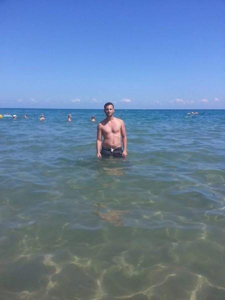 MD87, barbat, 30 ani, Craiova