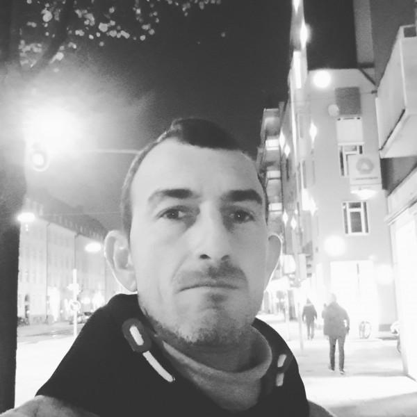 Alinush, barbat, 42 ani, Spania