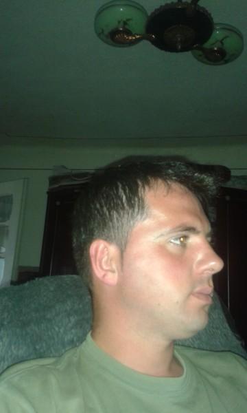 seb85, barbat, 32 ani, Pucioasa