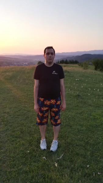 Madalin1983, barbat, 36 ani, Brad