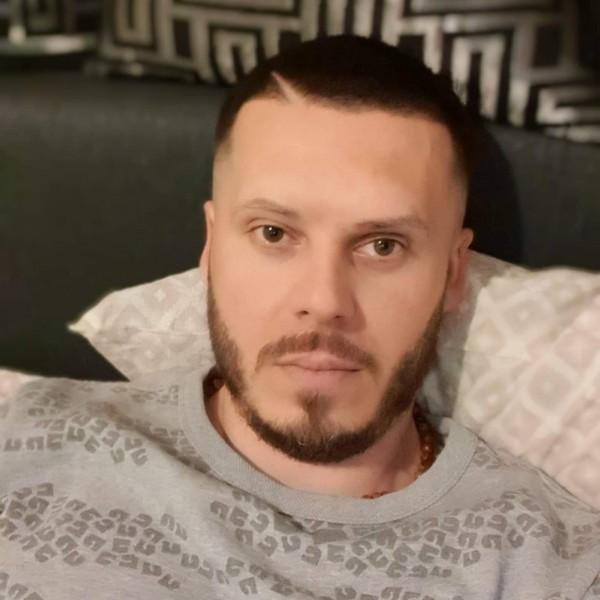 GeoGeoK, barbat, 36 ani, Buzau