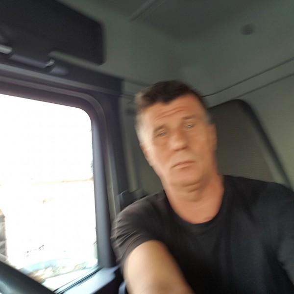 Sabaka, barbat, 54 ani, Marea Britanie