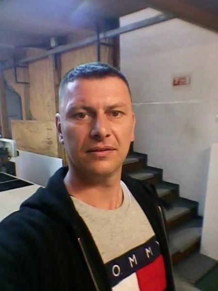 Florin_1981_bt, barbat, 38 ani, BUCURESTI