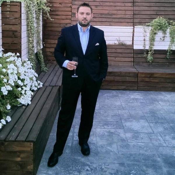 avramalecs, barbat, 35 ani, BUCURESTI