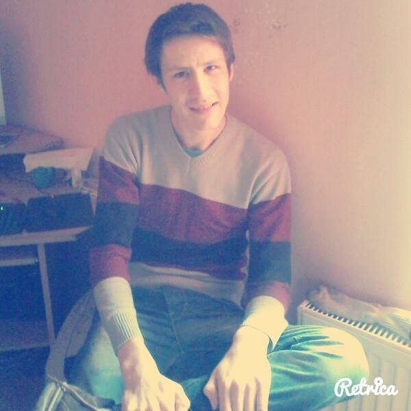 AlexD2, barbat, 25 ani, Medias