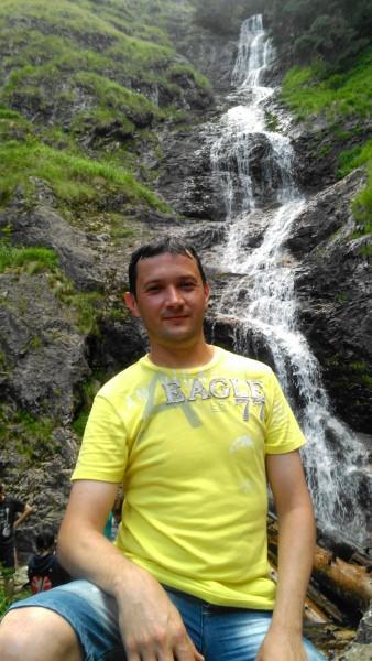 pistirom, barbat, 43 ani, Oradea
