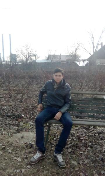 tomitzza, barbat, 23 ani, Bacau