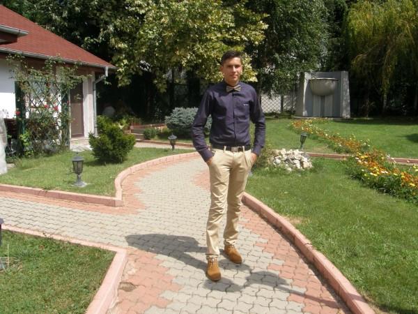 yFlorin, barbat, 25 ani, Craiova