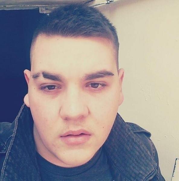 AlexandruCosmin1997, barbat, 22 ani, Drobeta Turnu Severin