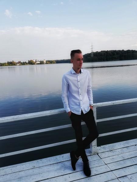 Daniel7stoica, barbat, 21 ani, BUCURESTI