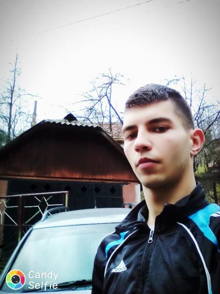 vasyyonutz, barbat, 24 ani, Lupeni