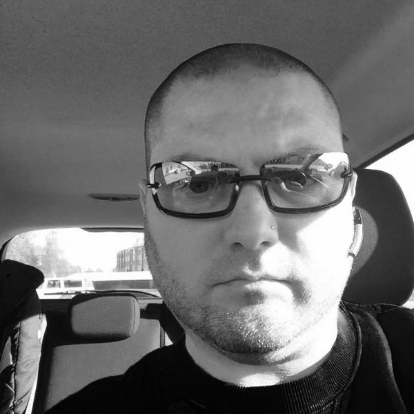 Marius_V, barbat, 43 ani, Suedia