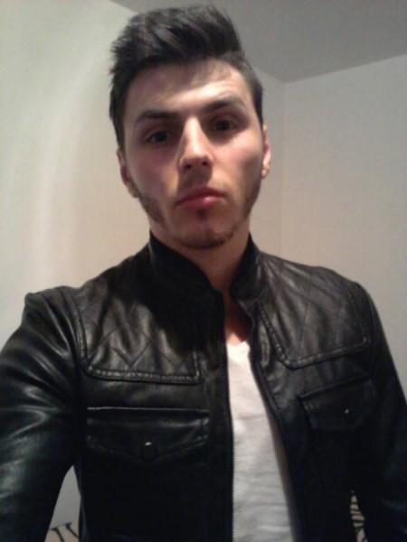 Alexvvv, barbat, 28 ani, BUCURESTI
