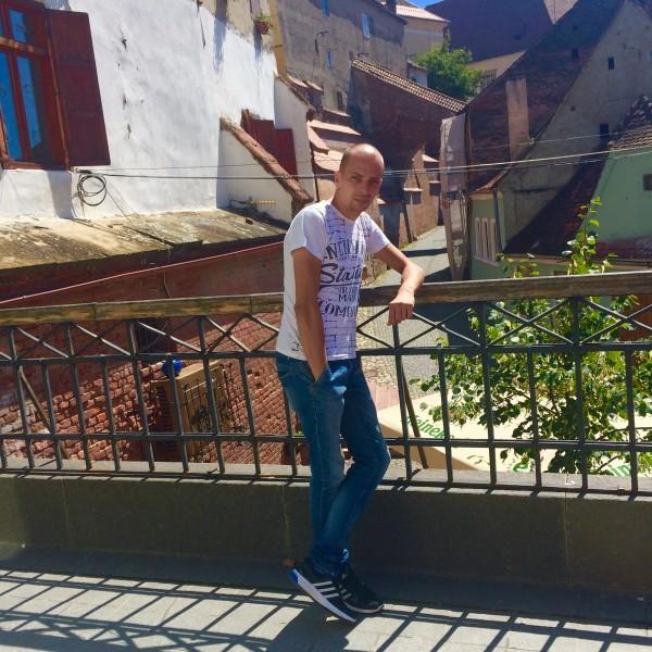 Madalin_mdn, barbat, 33 ani, Ploiesti