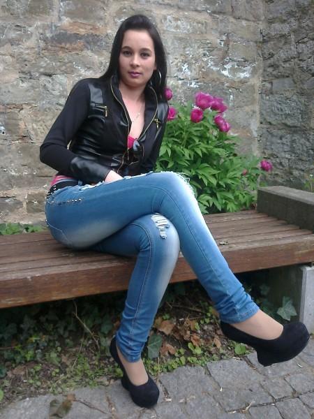 floarerara, femeie, 31 ani, Sibiu