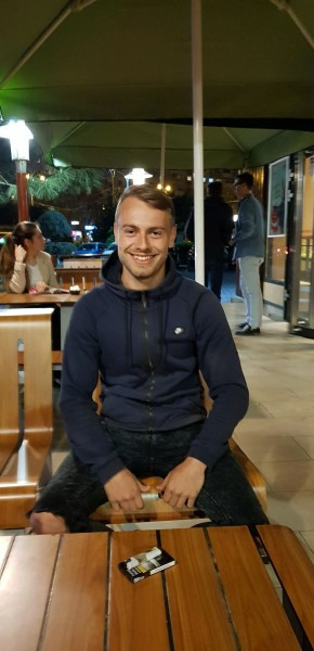 Lucky96, barbat, 22 ani, BUCURESTI