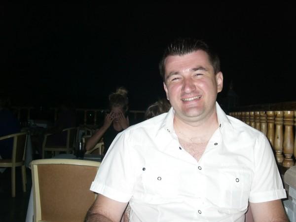 xsaman, barbat, 44 ani, BUCURESTI