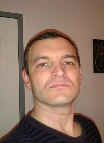 arabu, barbat, 43 ani, Piatra Neamt