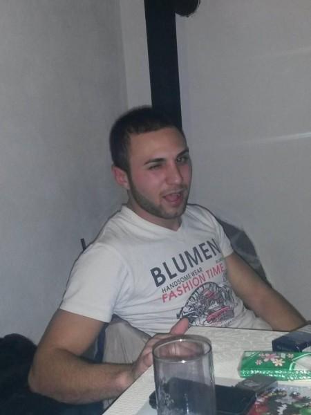 predavali93, barbat, 26 ani, Ploiesti