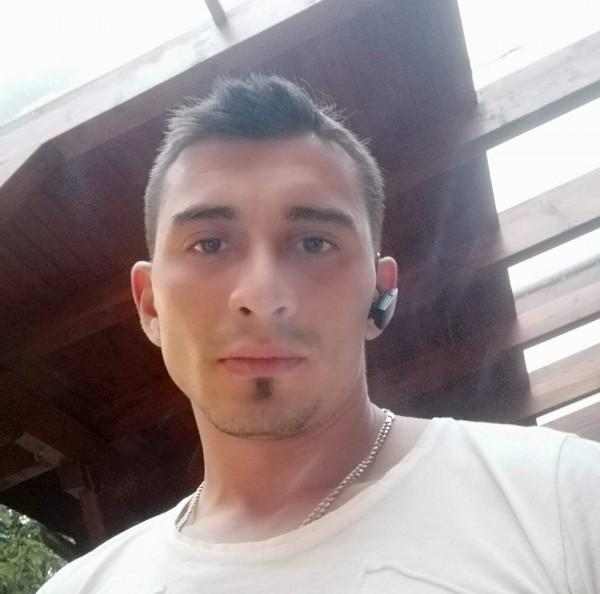Dragosturi, barbat, 28 ani, Campulung Muscel