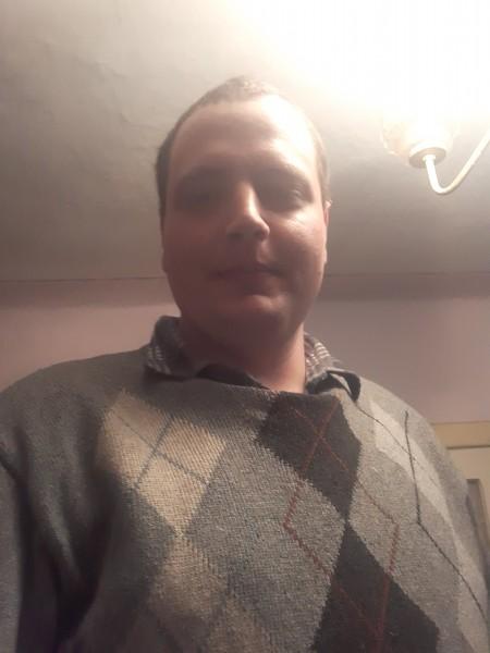 Nic24hol93, barbat, 27 ani, Ploiesti