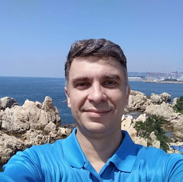 persoana_simpla, barbat, 44 ani, Canada