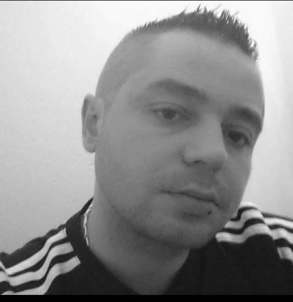 adrian81sto, barbat, 37 ani, Timisoara