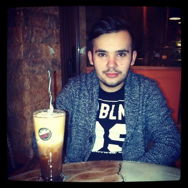 titix, barbat, 25 ani, BUCURESTI