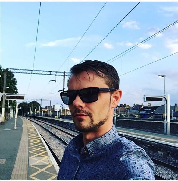 Pikasito87, barbat, 32 ani, Marea Britanie