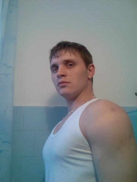 razvanleonard, barbat, 20 ani, Iasi