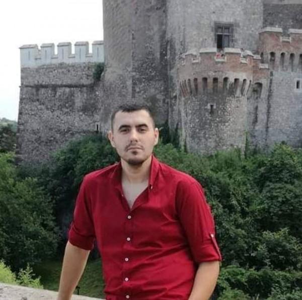 Ionut_Ionut_johnny, barbat, 28 ani, BUCURESTI