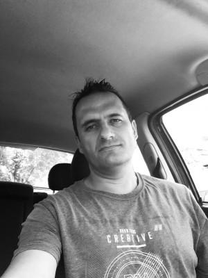 titismen, barbat, 41 ani, BUCURESTI