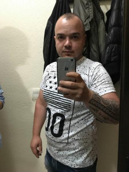 mario23, barbat, 29 ani, Spania