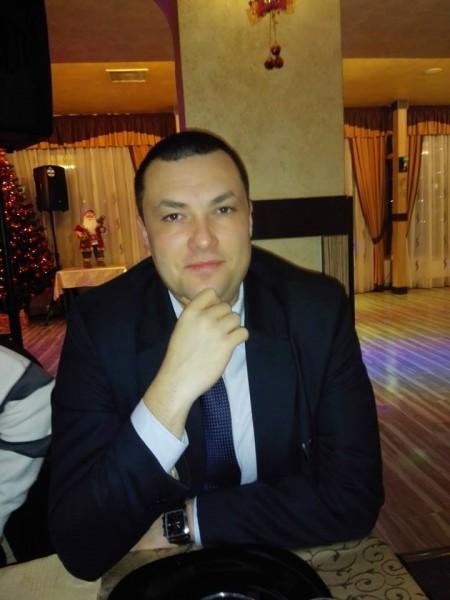 radu_cristea, barbat, 36 ani, Moinesti
