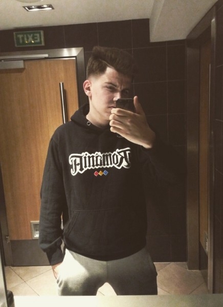 AlexMihai08, barbat, 21 ani, BUCURESTI