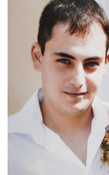 adrian_ionut_apetrei, barbat, 33 ani, Iasi