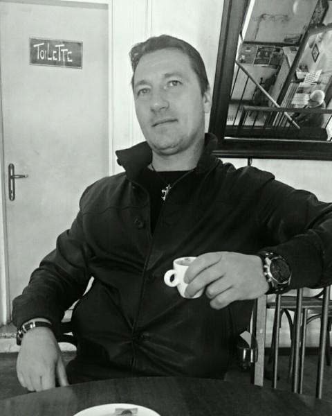 danieell, barbat, 45 ani, BUCURESTI