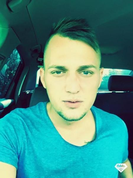 Alex2721, barbat, 24 ani, Cluj Napoca