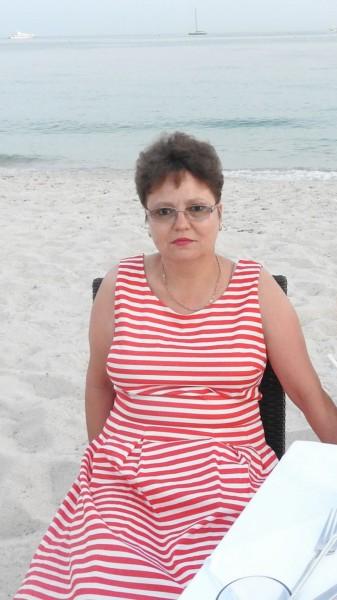 Otilia68, femeie, 51 ani, Husi